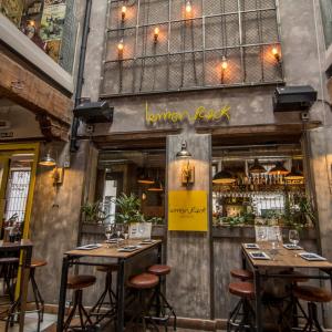 Dónde alojarse en Granada Restaurante hostal lemon Rock