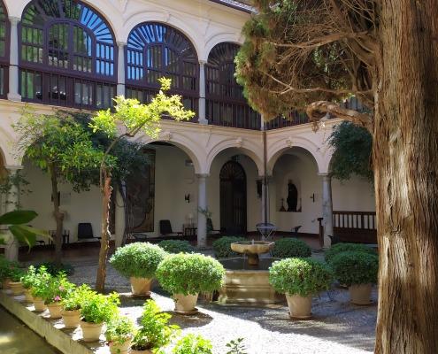 Clustro del convento de San Francisco acutal Parador