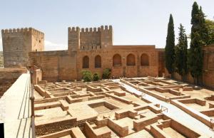 Alcazaba Plaza de Armas