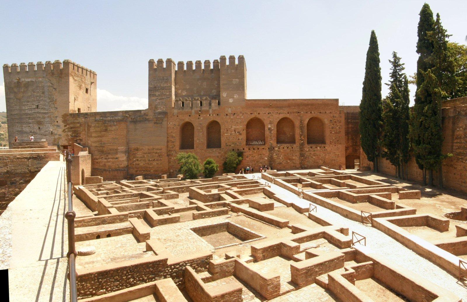 Partes de la Alhambra Alcazaba militar de Ciudad Palatina fortificada (La Alhambra)