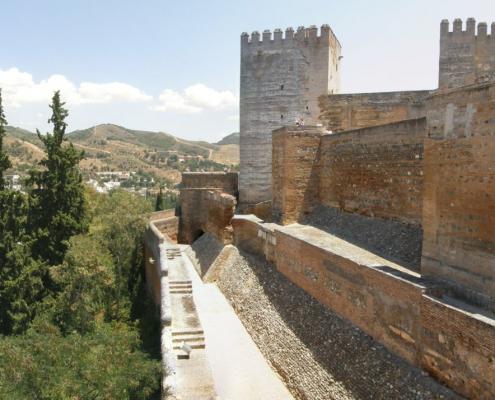dinastía nazarí Alcazaba doble muralla
