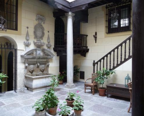Interior de la Casa Marina Pineda monumento gratis