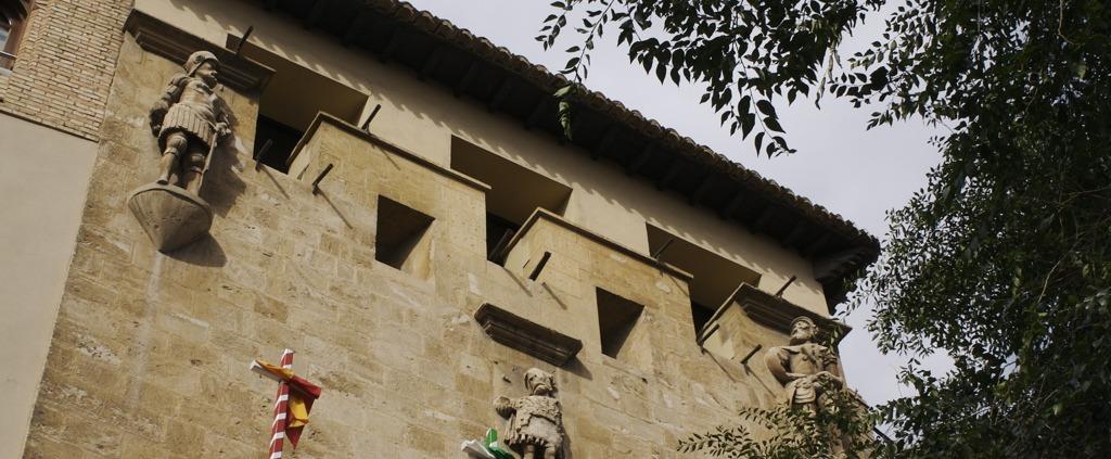 Fachada de la Casa de los Tiros