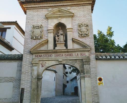 Entrada del Monasterio de Santa Isabel La Real
