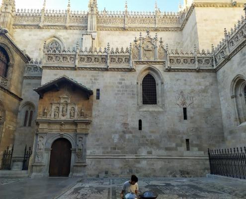 Fachada de la Capilla Real