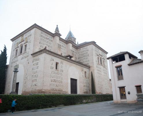 Iglesia Santa María de la Alhambra sobre la Mezquita mayor