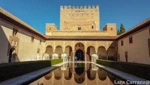 alberca y reflejo de torre de comares, la Alhambra